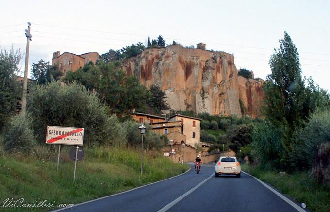 Италия. Подъезжая к Орвието
