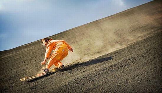 Самые экстремальные виды спорта в мире: Вулканобординг